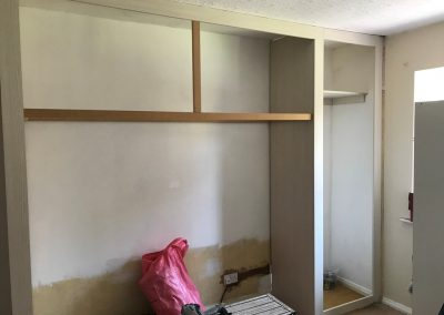 fitted bedroom overhead storage (3)