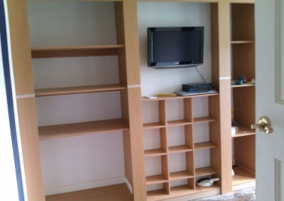 fitted wardrobes with tv compartment (3)
