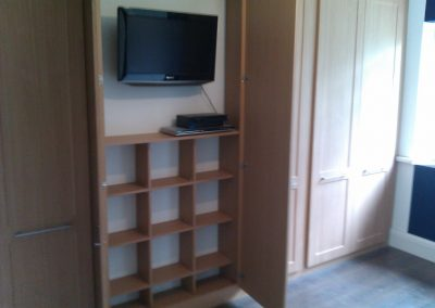 fitted wardrobes with tv compartment (4)