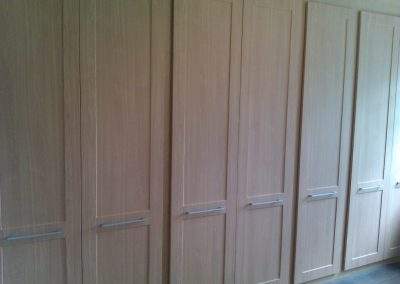 fitted wardrobes with tv compartment (5)