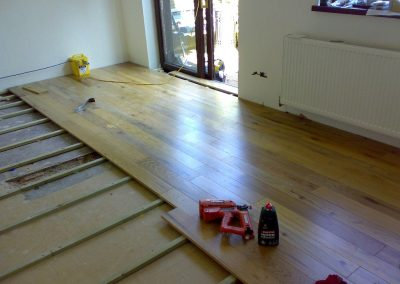oak floor to combat uneven floors (1)